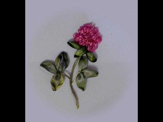 Вышивка лентами цветов клевера How to make a clover with satin ribbons 如何做一个三叶草的缎带 Alsu Galimova