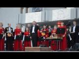 Оркестр народных инструментов Кузбасса пу Александра Щеколкова---музыка из фильма Кубанские казаки...)