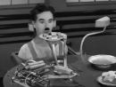 Чарли Чаплин - Машина для кормления