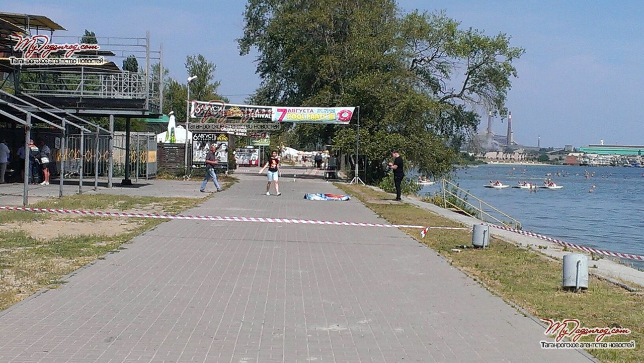 В Таганроге на набережной в районе «Вальяно» из воды вытащили тело девушки