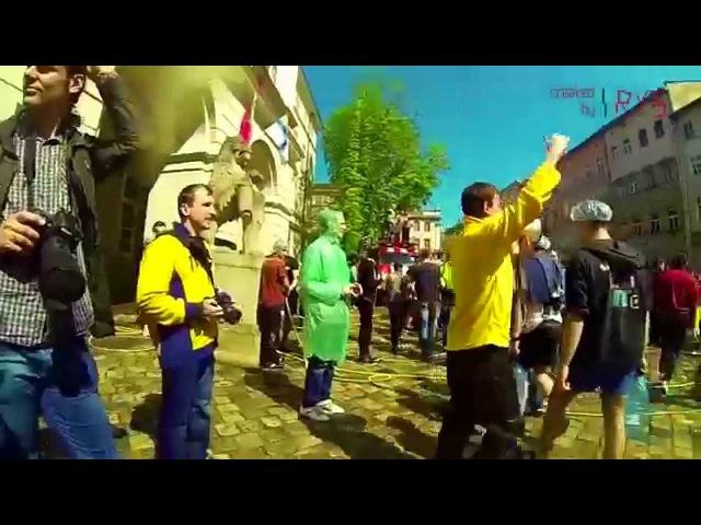 Обливаний понеділок Львів slowmotion
