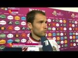 Эксперты и болельщики обсуждают причины неудачи сборной России на Чемпионате Европы.