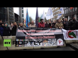 Бельгия: Курдские активисты протестуют против Премьер-Министр Давутоглу визита в Брюссель.