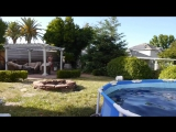 Самое странное видео последних дней_ экспериментаторы топят Mentos и дрон за 1400 долларов в бассейне из Кока-колы.
