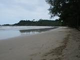 Пляж Клонг Прао летом
