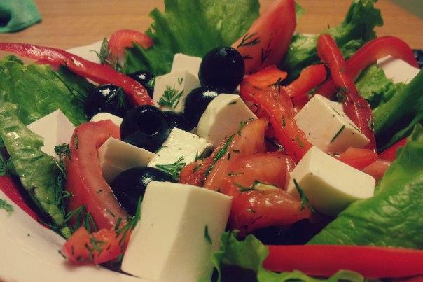 Салат с сыром фетаксаы фото