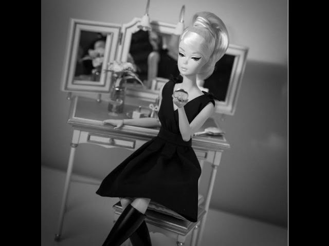 ОБЗОР куколки: Silkstone Barbie Classic Black Dress