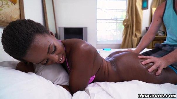 HD BangBros – BrownBunnies – Simone Styles – Stepsister Swallowing Cock