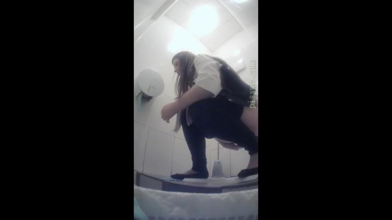 учли писающие девушки в туалете института скрытая камера видео фото разных времен