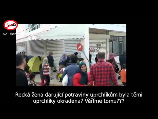 Řecká žena darující potraviny uprchlíkům byla těmi uprchlíky okradena