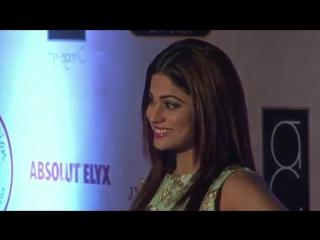 Shamita at Vikram Phadnis 25th Anniversary Grand Fashion Show 2016 Red Carpet