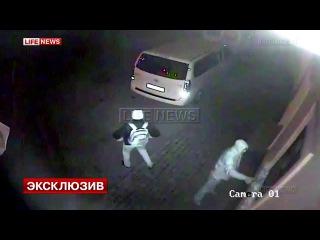 Осквернение памятной доски Сталину в Крыму сняли камеры наблюдения