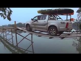 Надёжный деревянный мост