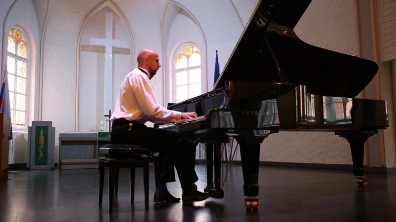 И. Брамс. Каприччио d-moll, соч. 116, № 1. Международный конкурс пианистов-любителей «Фортепианные мосты». Июль, 2015 г.