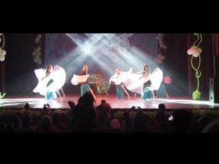 Группа танца живота Восточные амазонки - Групповой танец с крыльями и шалью
