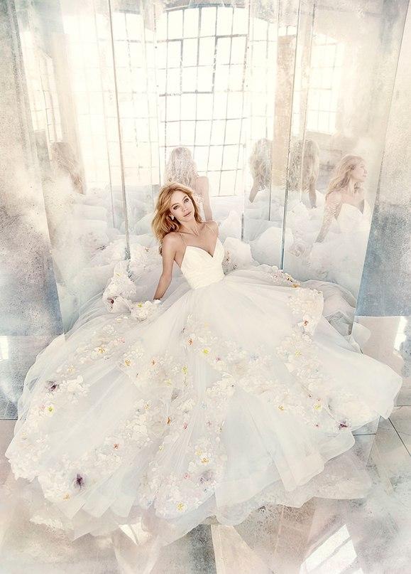 "Lzg2CLwYPZE - Весенняя коллекция свадебных платьев ""Spring 2016"" от Hayley Paige"