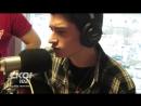 Уникальный голос у парня исполняющего песню Элвиса Пресли. (David Thibault - Elvis - Blue Christmas)