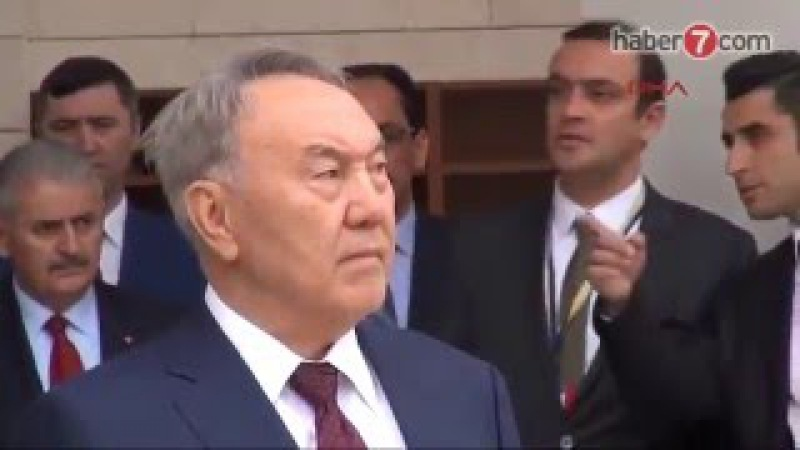 Нұрсұлтан Назарбаев пен Реджеп Тайып Ердоған жұма намазында
