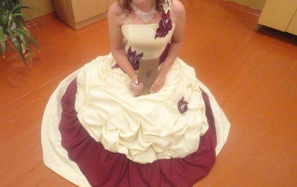 продам в отличном состояние платье для выпускного!!!! Обращаться в лс