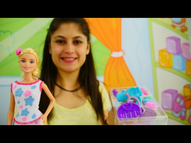 Ayşe Barbie kuaför setiyle oynuyor. Kız oyunu. KızVızVız'da Barbie oyunu oyna