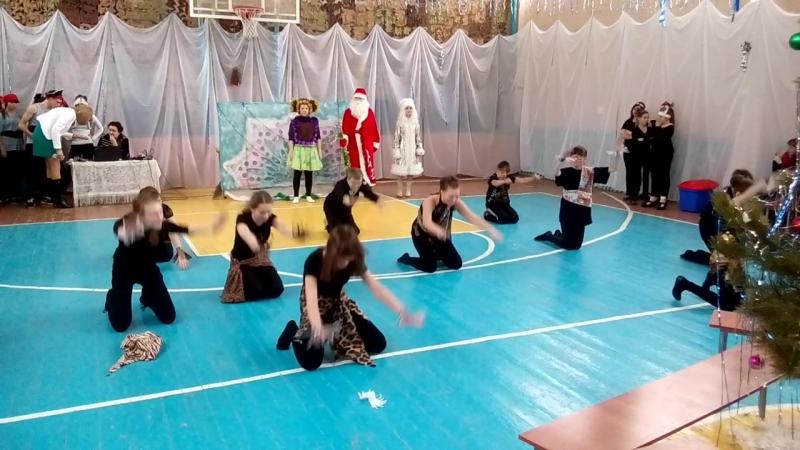 Танец папуасов Новый год 2016