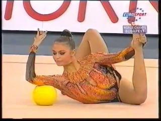 Алина Кабаева - мяч (многоборье) // Чемпионат Мира 2003