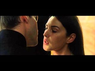 Neo & Persephone Kissing Scene (Keanu Reeves & Monica Bellucci) - The Matrix Reloaded