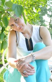 Лена Свалова