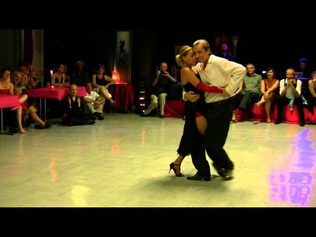 Jenny et Guy dansent le canyengue à Crest