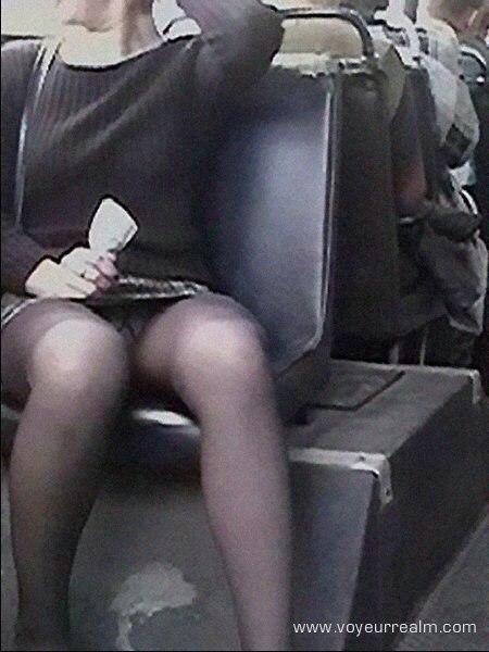 Скрытая Мини Камера В Автобусе Мастурбация