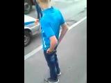 31 08 2016 Эксклюзив  Неадекват с ножом на ул  Ворошилова набросился на полицейского Ижевск