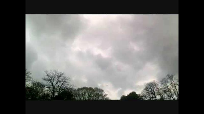 Raar geluid in de lucht op 25 April 2015