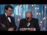 Эннио Морриконе получает Оскар за лучшую оригинальную музыку к фильму