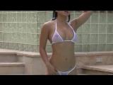 Ochen_krasivye_devuwki_v_kupalnikah_Krasivye_seks-(1)