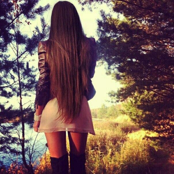 Картинки девушек со спины с русыми волосами средней длины