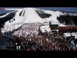 Массовый спуск лыжников и сноубордистов в купальниках со склонов «Шерегеш»