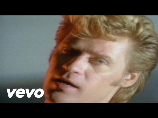 Daryl Hall John Oates - Maneater (Official Music Video)