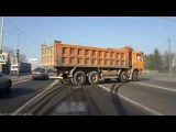 Дрифт на тракторе, автобусе, грузовике. Дрифт на тяжелой технике. Drift on a tractor, bus, truck.