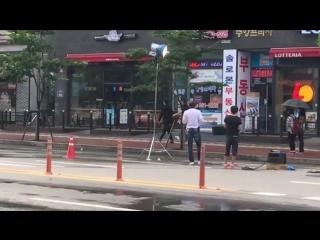 """Videos FanCam- [10.07.16] LeeJongSuk @ """"W-Two Worlds"""" Filming Set 5)"""