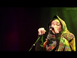 """Nneka LIVE """"Walking"""" - My Fairy Tales"""