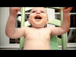 Первые детские шалости в рекламе Huggies