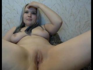 Смотреть порно русская мастурбирует в скайпе