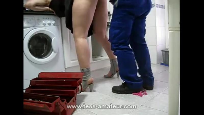 смотреть сантехник и русская мамаша