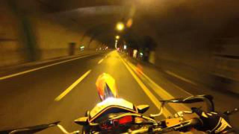 Ktm 690 smc r top speed 200 km and WHEELI
