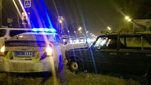 Как харьковские правоохранители в аварию попали (ВИДЕО)