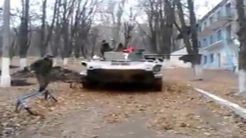Ukraine war BMD-2 of DNR fires on UA_Guerra in Ucraina BMD-2 catturato dall esercito novorussia