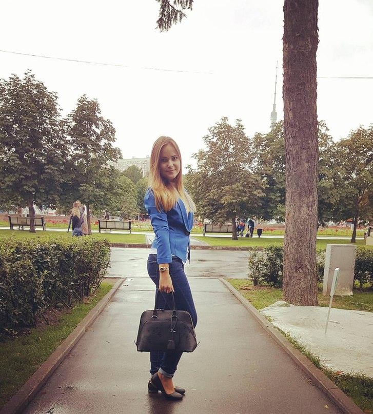 Оля Мартынова  