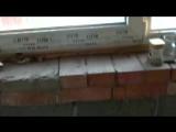 НЕ правильная металлоконструкция над окнами! Плюс неудачное опирание плит перекрытия!