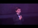 Песня мама поет девушка и маленький мальчик