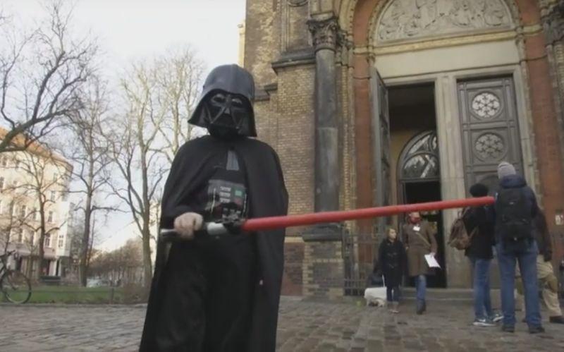 В немецкой церкви организовали службу для фанатов
